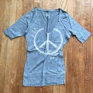 American Eagle Grey V Neck Peace 3/4 Sleeve Tunic
